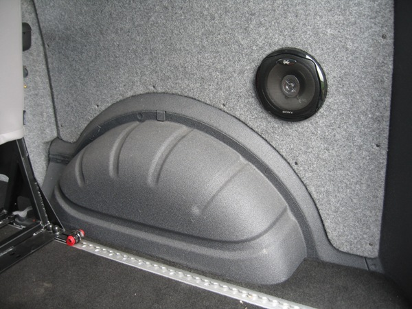 Wheel arch lined with Velour Carpet and Linex (Click to enlarge)